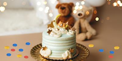 הקטן או הקטנה חוגגים שנה? מעצבי העוגות המוכשרים שלנו דאגו לכם למבחר עוגות ליום הולדת ראשון - יום ההולדת הכי מרגש ומקסים שיכול להיות. אם אתם מחפשים עוגת יום הולדת שנה מרהיבה לחגיגות היומולדת, אצלנו תמצאו מלא עוגות יום הולדת ראשון - ואנו בטוחים, שיהיה לכם קשה לבחור.