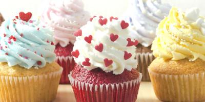 מחפשים עוגות מעוצבות בדרום? הגעתם למקום הנכון. אצלנו תוכלו למצוא מבחר גדול של עוגות מעוצבות לכל אירוע: יום הולדת, בר מצווה, חתונה, ועוד. הכול בעיצוב אישי. משלוחים מאזור ראשון לציון דרומה.
