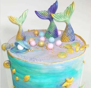 מה הקטע עם עוגות גבוהות